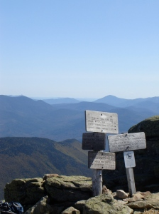 View from the Lafayette summit towards the Pemigewasset Wilderness.